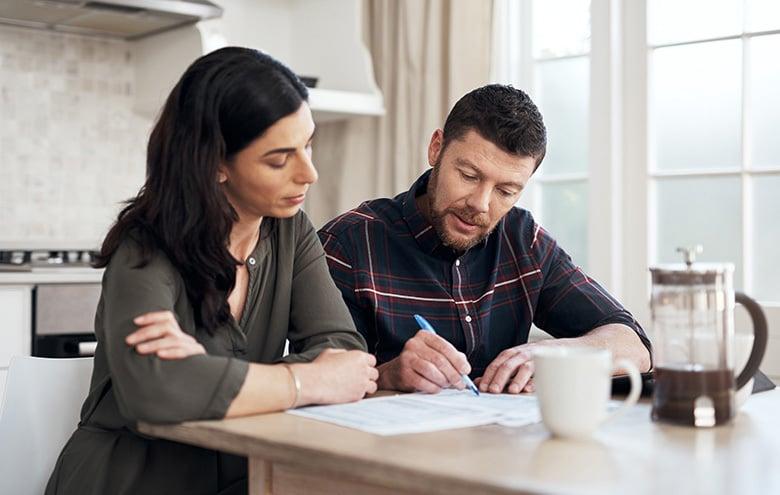 couple-kitchen-finances